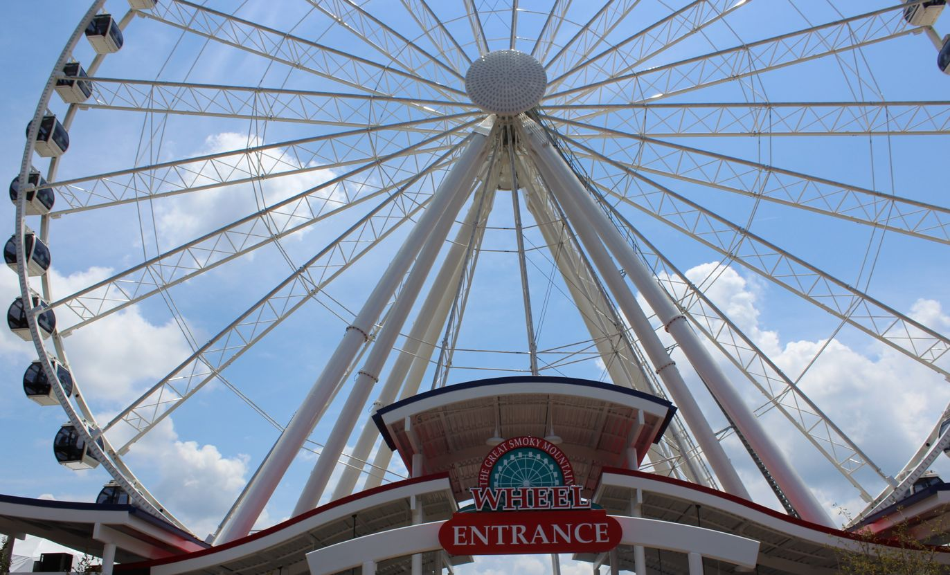 Pigeon Forge Smoky Mountain Ferris Wheel