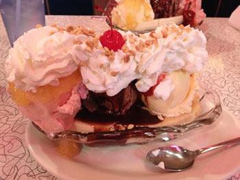 Delicious Desserts at Mel's Diner