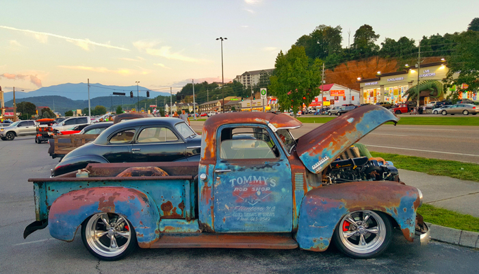 The Ultimate Guide To Pigeon Forge Car Shows Cabins USA - Gatlinburg car show