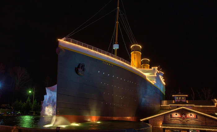 Christmas Lights at the Titanic Museum