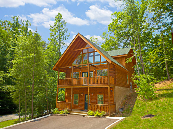 Affordable Cabin in Pigeon Forge For Summer Vacations