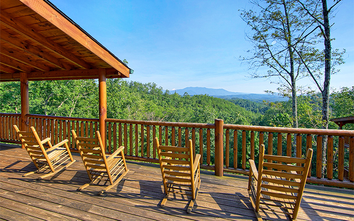 Pigeon Forge Cabins With Views For a Vacation With Friends