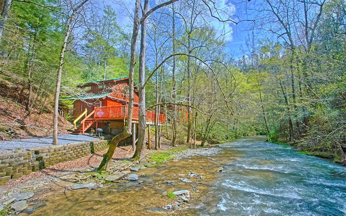 Cabins on Rivers and Streams in Pigeon Forge, TN