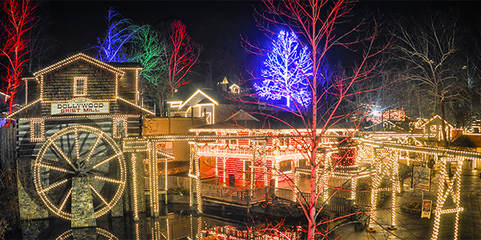 pigeon forge christmas lights in dollywood