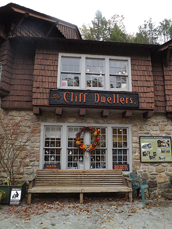 Moxie explores glades arts and crafts community for Gatlinburg arts and crafts community restaurants