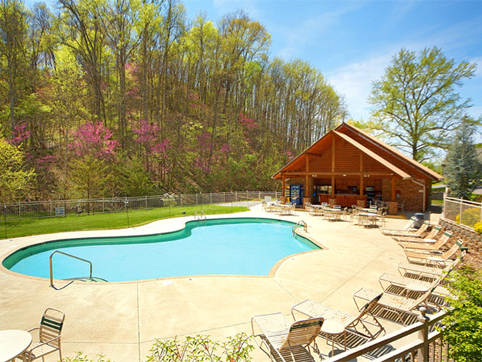 Cabins with Resort Swimming Pools in Pigeon Forge