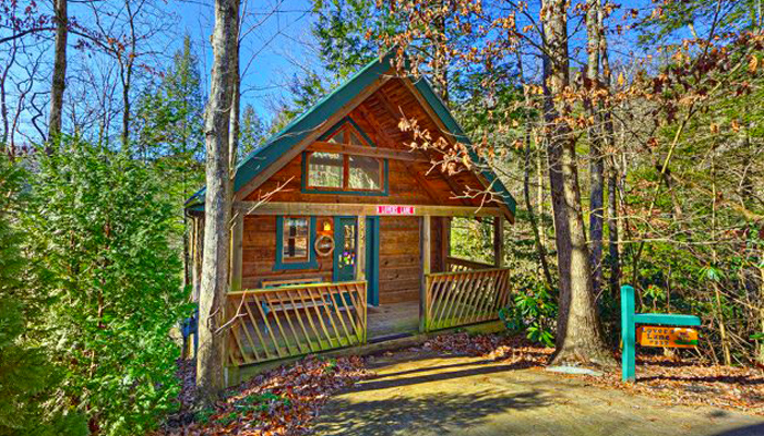 Log Cabin For Honeymoons in Pigeon Forge