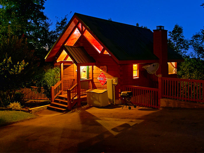 Honeymoon Cabin For Couples in Pigeon Forge