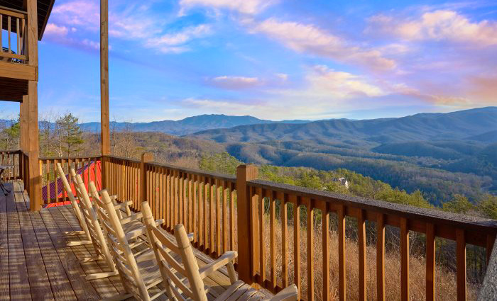 Luxury Cabin With Mountain View in the Smokies