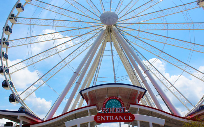 Smoky Mountain Wheel in Pigeon Forge