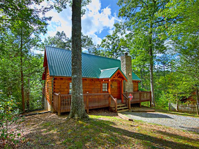 4 myths and tips for secluded cabins in pigeon forge for Cabin rentals near smoky mountains